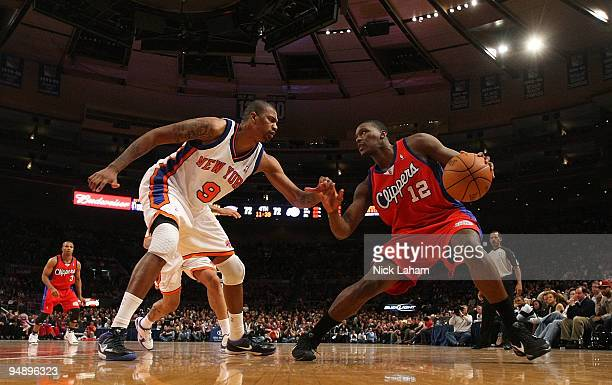Al Thornton of the Los Angeles Clippers goes up against Jonathan Bender of the New York Knicks at Madison Square Garden on December 18 2009 in New...