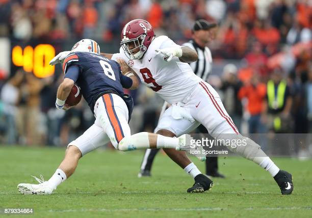 Alabama Crimson Tide defensive lineman Da'Shawn Hand tackles Auburn Tigers quarterback Jarrett Stidham during a football game between the Auburn...