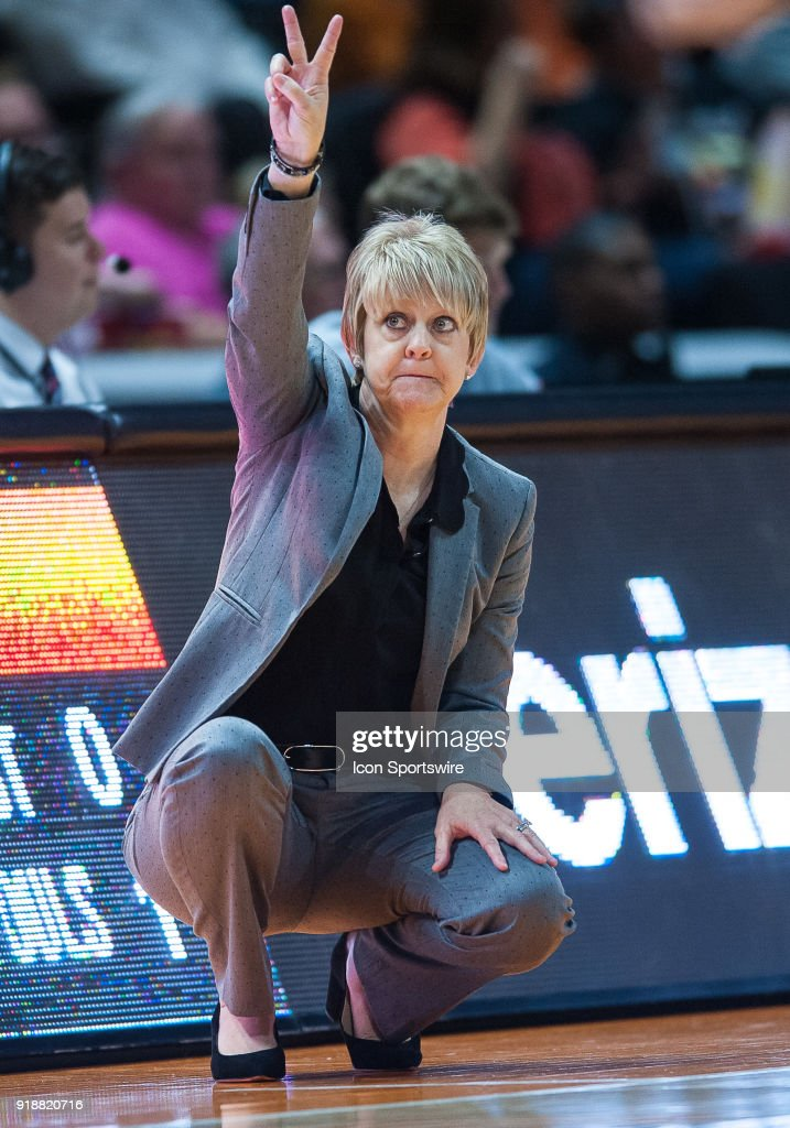 Alabama Crimson Tide head coach Kristy Curry coaching during a game between the Tennessee Lady Volunteers and Alabama Crimson Tide on February 15, 2018, at Thompson-Boling Arena in Knoxville, TN. Alabama defeated the Lady Vols 72-63.