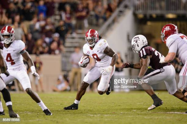 Alabama Crimson Tide running back Bo Scarbrough runs the ball during the college football game between the Alabama Crimson Tide and the Texas AM...