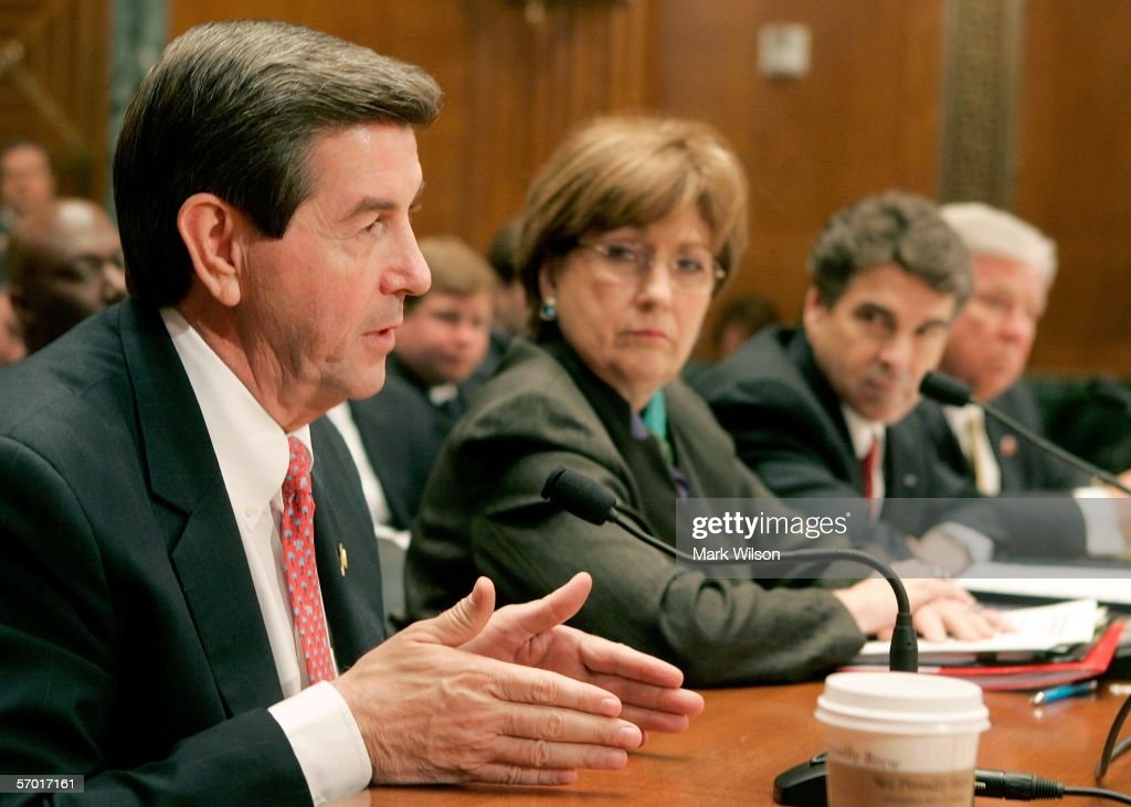 Alabama Governor Bob Riley speaks as Louisiana Governor Kathleen Blanco Texas Governor Rick Perry and Mississippi Governor Haley Barbour listen to...