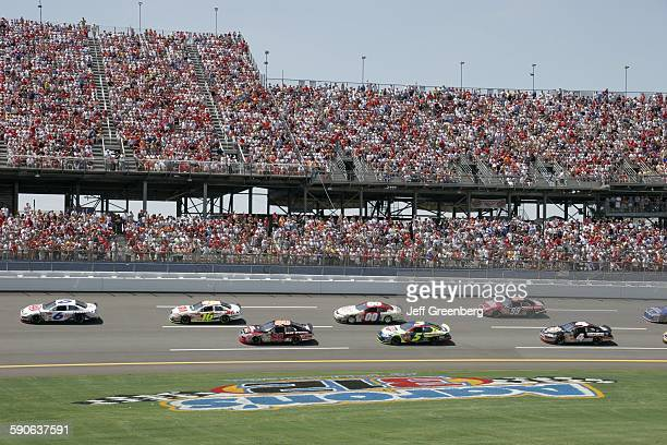 Alabama Talladega Superspeedway Aarons 499 Nascar Nextel Cup Series Fans Grandstands Stock Car Race Track
