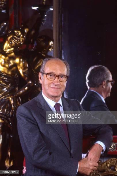 Alain Decaux écrivain biographe homme de télévision et de radio et académicien français à Paris en mars 1986