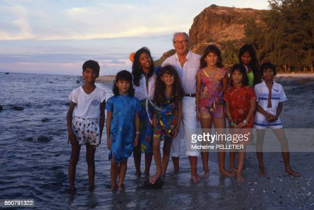 Alain Decaux écrivain biographe homme de télévision et de radio et académicien français à La Réunion en janvier 1988