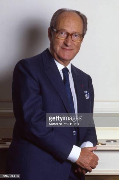 Alain Decaux écrivain biographe homme de télévision et de radio et académicien français à Paris le 4 juillet 1988 France