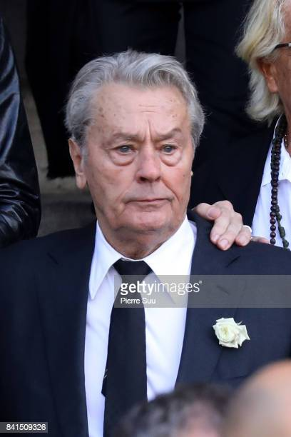 Alain Delon attends Mireille Darc's Funerals at Eglise SaintSulpice on September 1 2017 in Paris France