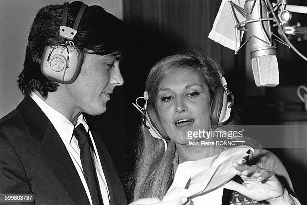 Alain Delon et Dalida enregistrent 'Paroles Paroles' en novembre 1972 à Paris France