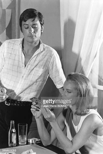 Alain Delon et Romy Schneider lors du tournage du film 'La Piscine' réalisé par Jacques Deray en août 1968 à Ramatuelle France