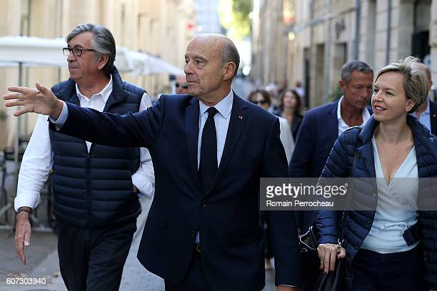 Alain Juppe mayor of Bordeaux takes a walk with his first deputy Virginie Calmels during the local heritage day on September 17 2016 in Bordeaux...