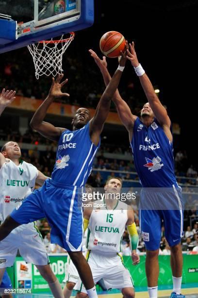 Alain TRAORE / Joakim NOAH France / Lithuanie Championnat Europe de Basket Ball 2011 Vilnius