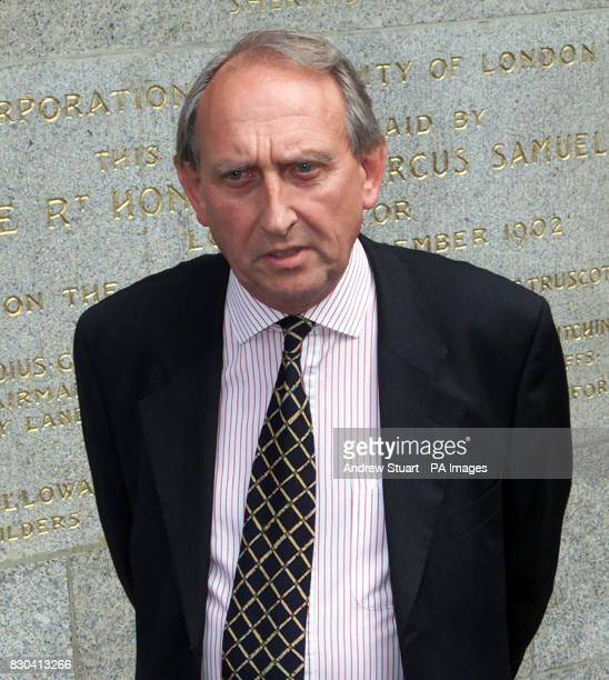 Alan Fry head of the AntiTerrorist Branch outside the Old Bailey after the convistion for murder of David Copeland Copeland admitted causing...