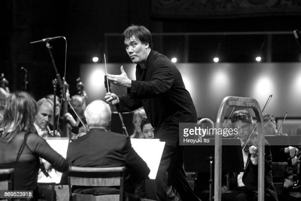 Alan Gilbert conducting the New York Philharmonic in Barber and Beethoven at the Memorial Day concert at the Cathedral Church of Saint John the...