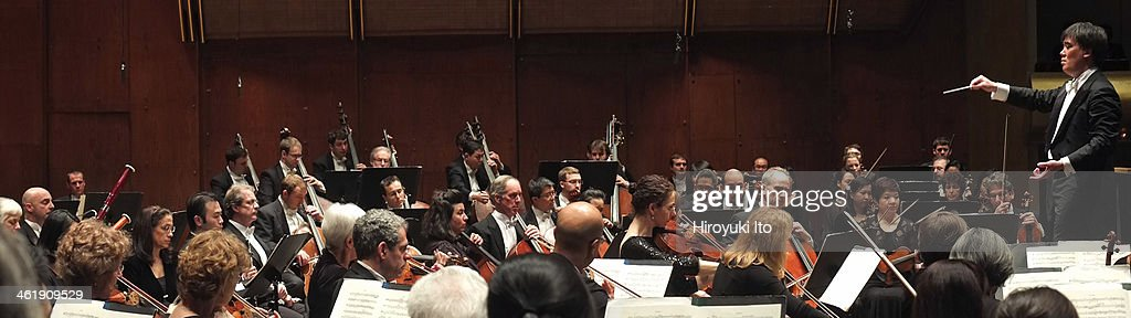 Alan Gilbert leading the New York Philharmonic at Avery Fisher Hall on Thursday night January 2 2014This imageAlan Gilbert leading the New York...