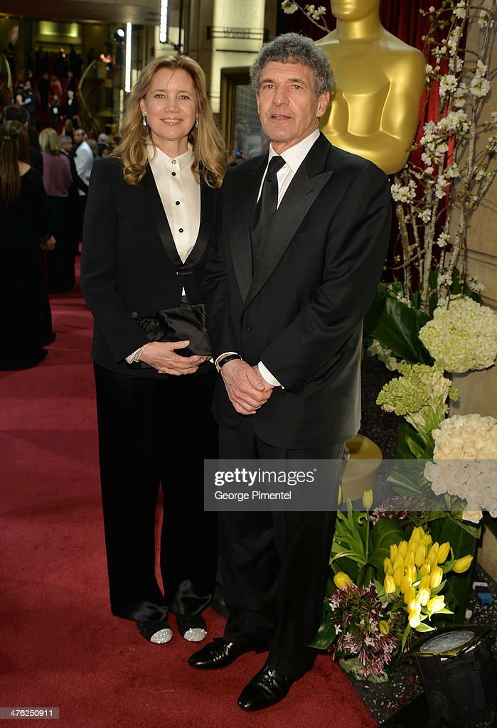 <a gi-track='captionPersonalityLinkClicked' href=/galleries/search?phrase=Alan+Horn&family=editorial&specificpeople=213386 ng-click='$event.stopPropagation()'>Alan Horn</a>, Chairman, Walt Disney Studios (R) and Cindy Horn attend the Oscars held at Hollywood & Highland Center on March 2, 2014 in Hollywood, California.