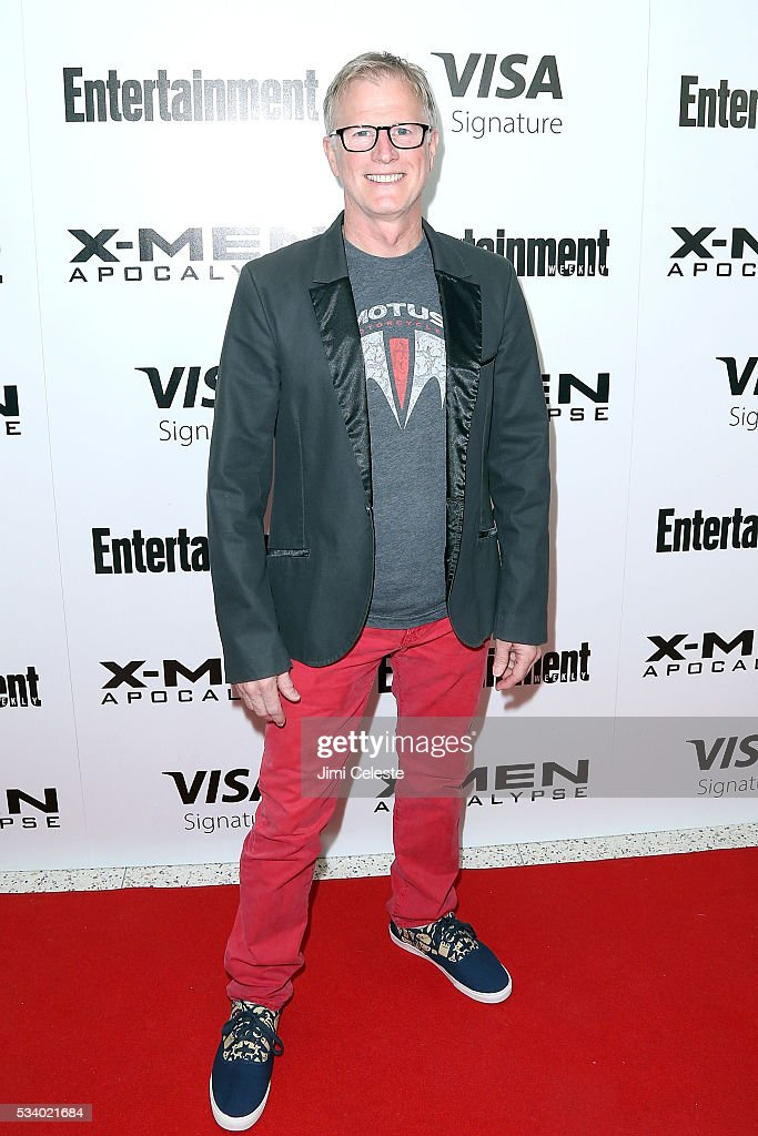 Alan Hunter attends the special screening of 'X-MEN Apocalypse' at Entertainment Weekly on May 24, 2016 in New York City.