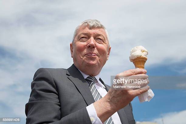 Alan Johnson Labour MP and former Home Secretary with an ice cream during a visit to Whitmore Bay in Barry on the the Labour IN for Britain campaign...