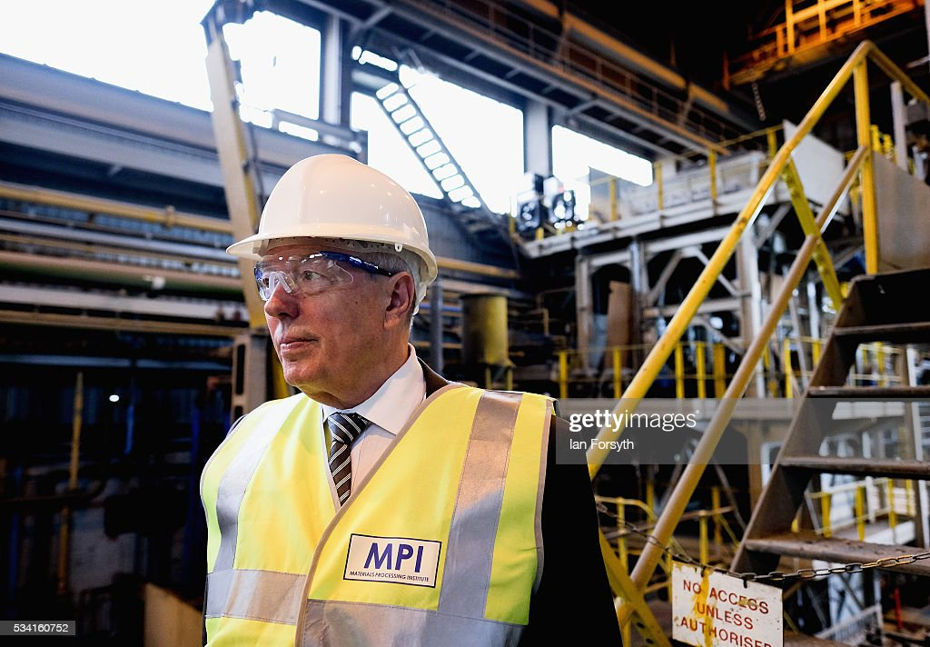Alan Johnson MP, chair of the Labour In for Britain campaign visits the Metals Process Institute during the 'Labour In' battle bus tour on May 25, 2016 in Middlesbrough, England. The Labour In for Britain battle bus will make several trips to the north east region as it tours the area ahead of the EU referendum on June 23.