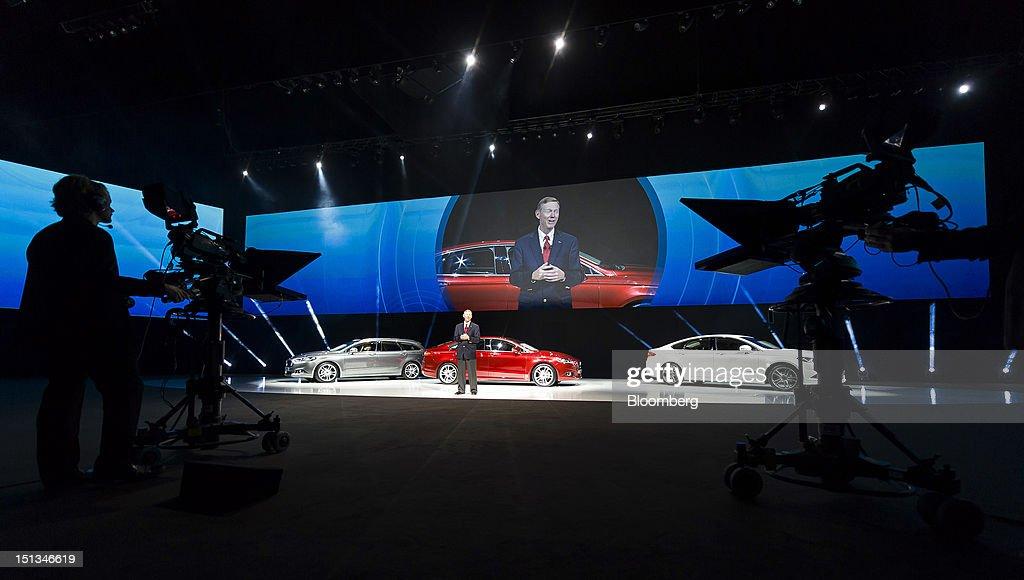 alan mulally ceo ford motor company Leadership, business, money - alan mulally, ceo, ford motor company.