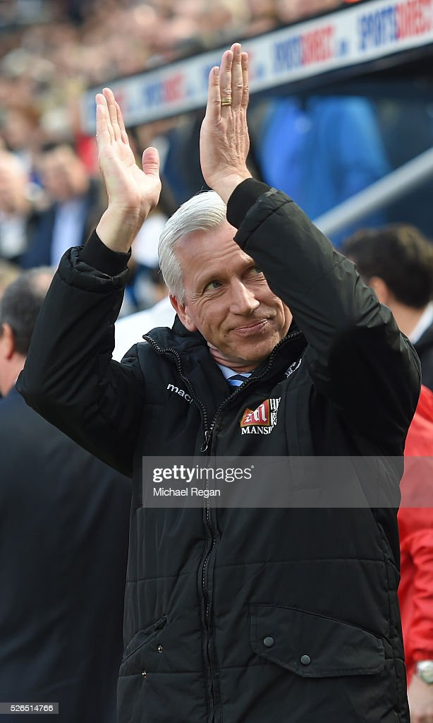 Alan Pardew Manager of Crystal Palace applauds supporters prior to the Barclays Premier League match between Newcastle United and Crystal Palace at St James' Park on April 30, 2016 in Newcastle upon Tyne, England.
