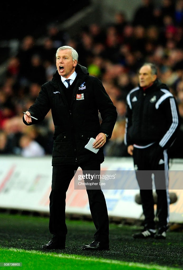 <a gi-track='captionPersonalityLinkClicked' href=/galleries/search?phrase=Alan+Pardew&family=editorial&specificpeople=171147 ng-click='$event.stopPropagation()'>Alan Pardew</a> Manager of Crystal Palace gestures during the Barclays Premier League match between Swansea City and Crystal Palace at the Liberty Stadium on February 6, 2016 in Swansea, Wales.