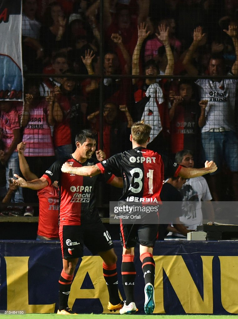Alan Ruiz of Colon celebrates after scoring the first goal of his team during a match between Colon and River Plate as part of Torneo de Transicion...