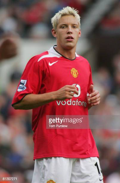 Alan Smith of Manchester United in action on the ball during the Barclays Premiership match between Manchester United and Norwich City at Old...