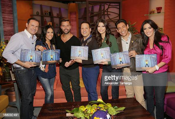Alan Tacher Karla Martinez Ricky Martin Raul Gonzalez Ana Patricia Gonzalez Johnny Lozada and Maity Interiano are seen on the set of Despierta...