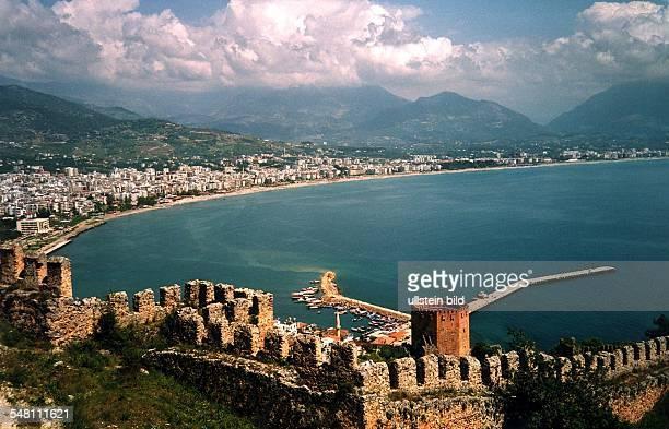 Blick von der Burganlage April 1996