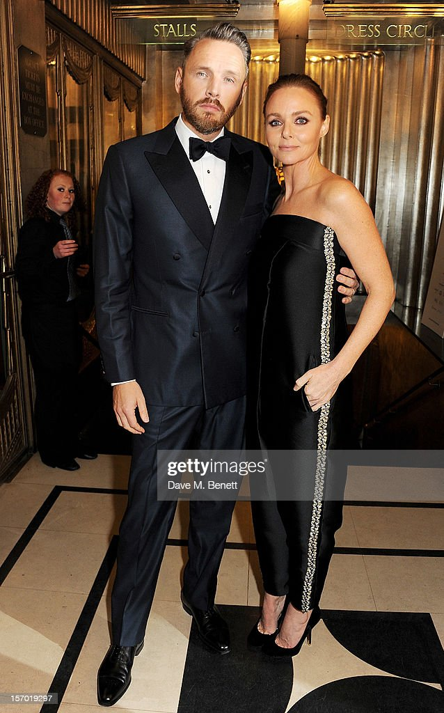 <a gi-track='captionPersonalityLinkClicked' href=/galleries/search?phrase=Alasdhair+Willis&family=editorial&specificpeople=2078493 ng-click='$event.stopPropagation()'>Alasdhair Willis</a> (L) and Stella McCartney attend a drinks reception at the British Fashion Awards 2012 at The Savoy Hotel on November 27, 2012 in London, England.