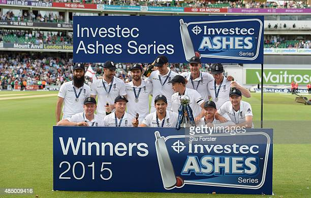 Alastair Cook and his England team celebrate winning the ashes after day four of the 5th Investec Ashes Test match between England and Australia at...