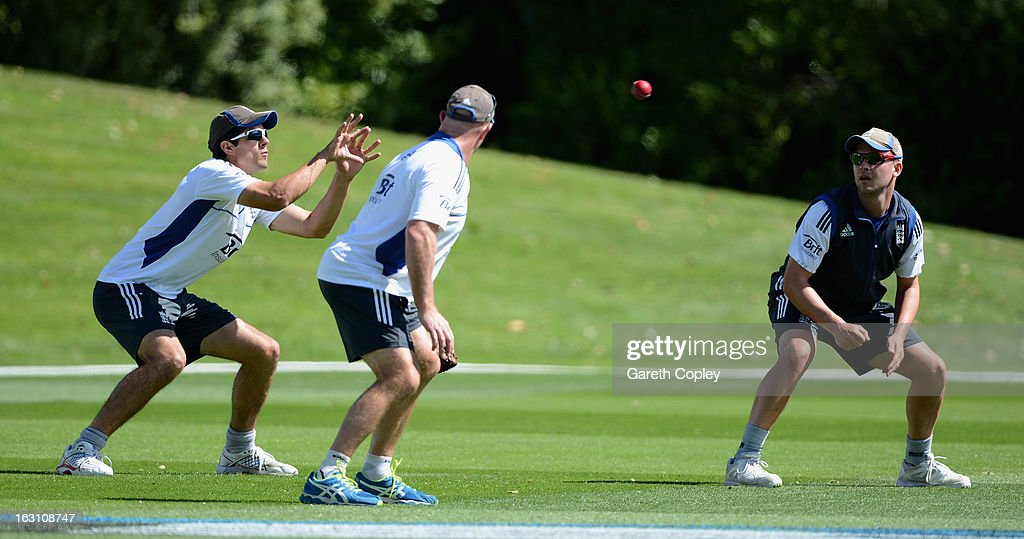 <a gi-track='captionPersonalityLinkClicked' href=/galleries/search?phrase=Alastair+Cook+-+Cricket+Player&family=editorial&specificpeople=571475 ng-click='$event.stopPropagation()'>Alastair Cook</a> and <a gi-track='captionPersonalityLinkClicked' href=/galleries/search?phrase=Jonathan+Trott&family=editorial&specificpeople=654505 ng-click='$event.stopPropagation()'>Jonathan Trott</a> of England take part in a fielding drill during an nets session at the University Oval on March 5, 2013 in Dunedin, New Zealand.