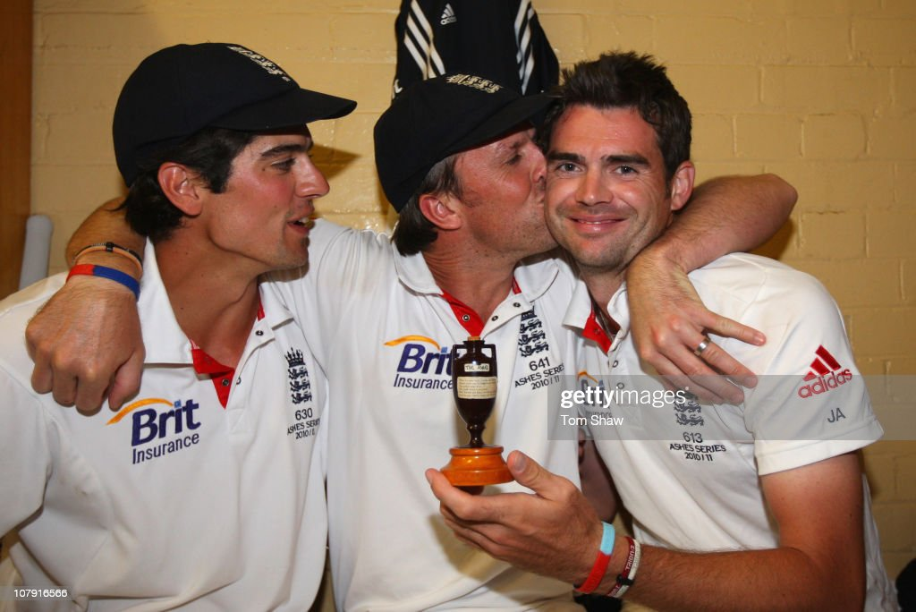 <a gi-track='captionPersonalityLinkClicked' href=/galleries/search?phrase=Alastair+Cook+-+Cricket+Player&family=editorial&specificpeople=571475 ng-click='$event.stopPropagation()'>Alastair Cook</a>, <a gi-track='captionPersonalityLinkClicked' href=/galleries/search?phrase=Graeme+Swann&family=editorial&specificpeople=578767 ng-click='$event.stopPropagation()'>Graeme Swann</a> and James Anderson of England celebrate in the dressing room with the ashes urn after winning the series 3-1 during day five of the Fifth Ashes Test match between Australia and England at Sydney Cricket Ground on January 7, 2011 in Sydney, Australia.