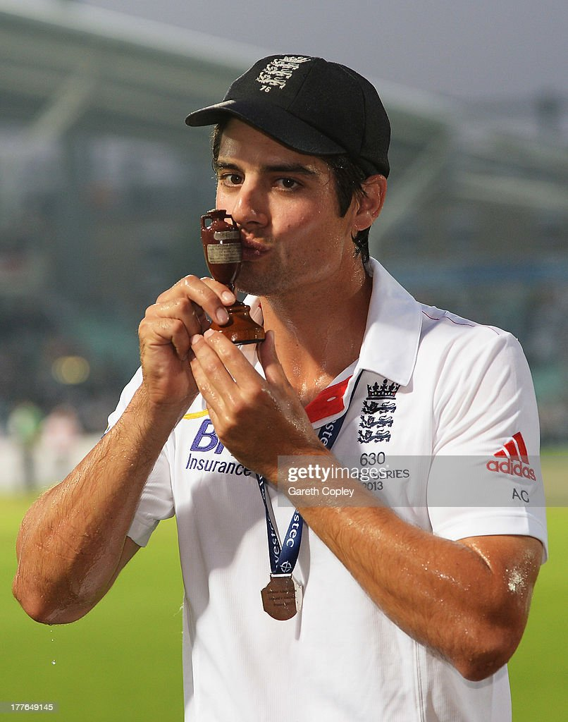 Alastair Cook of England kisses the urn after winning the Ashes during day five of the 5th Investec Ashes Test match between England and Australia at the Kia Oval on August 25, 2013 in London, England.
