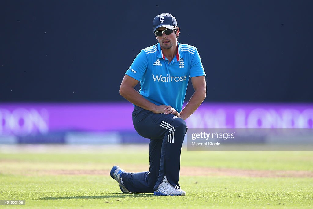 <a gi-track='captionPersonalityLinkClicked' href=/galleries/search?phrase=Alastair+Cook+-+Cricketspieler&family=editorial&specificpeople=571475 ng-click='$event.stopPropagation()'>Alastair Cook</a> the captain of England on his knees as the opening batting pair of Shikhar Dhawan and Ajinkya Rahane of India pile the runs on during the fourth Royal London One-Day Series match between England and India at Edgbaston on September 2, 2014 in Birmingham, England.