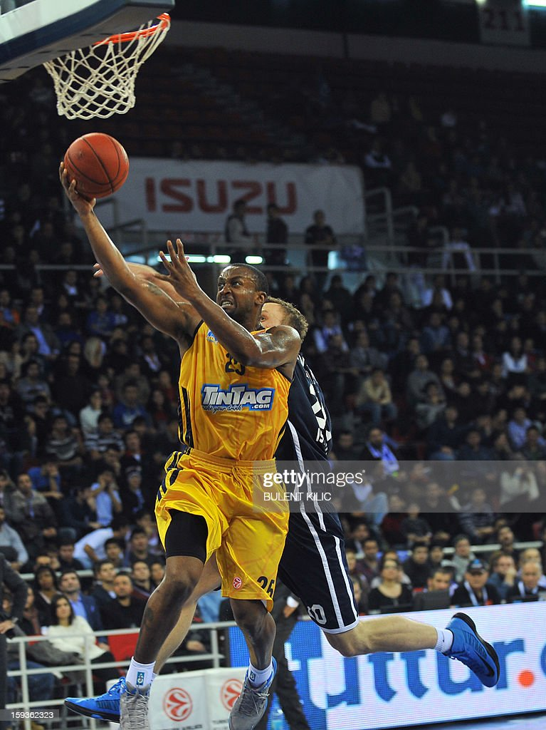 Alba Berlin's Jekel Foster (front) vies with Anadolu Efes' Dusko Savanovic (back) during the Euroleague basketball match between Alba Berlin and Anadolu Efes at the Abdi Ipekci Sport Hall in Istanbul on January 11, 2013.