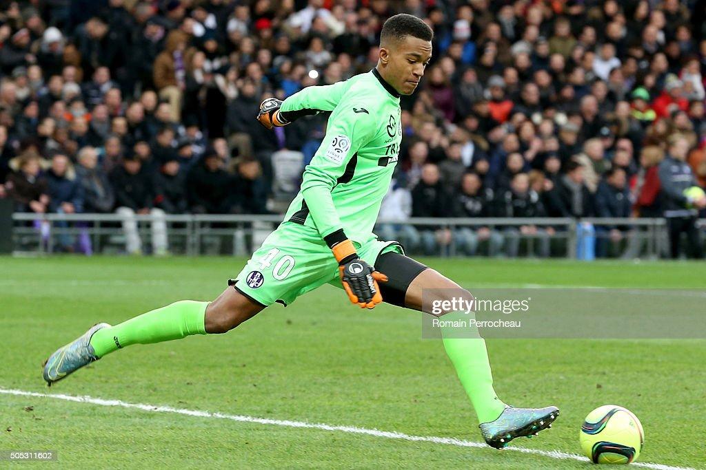 Toulouse FC v Paris Saint-Germain - Ligue 1