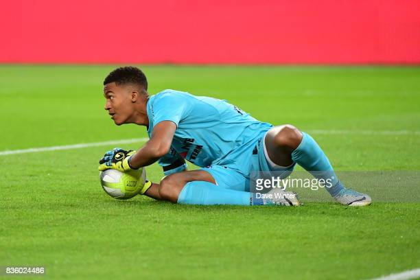 Alban Lafont of Toulouse during the Ligue 1 match between Paris Saint Germain and Toulouse at Parc des Princes on August 20 2017 in Paris
