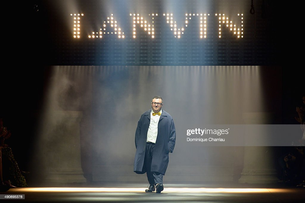 Alber Elbaz greats the crowd during the Lanvin show as part of the Paris Fashion Week Womenswear Spring/Summer 2016 on October 1, 2015 in Paris, France.