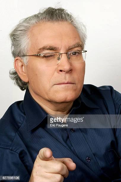 Albert Algoud on the set of TV show 'Piques et Polemiques'