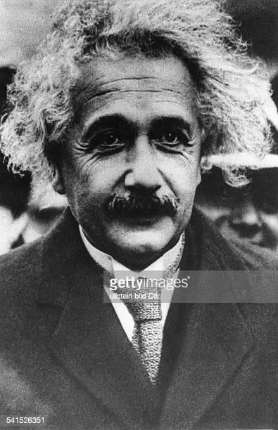 Albert Einstein *14031879 Physicist Germany / USA portrait 1920ies