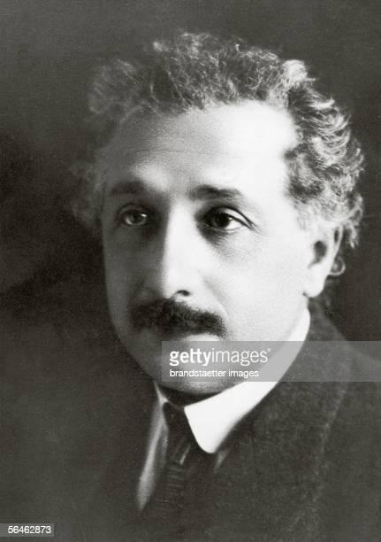 Albert Einstein German physicist Photography around 1920 [Albert Einstein deutscher Physiker Photographie um 1920]