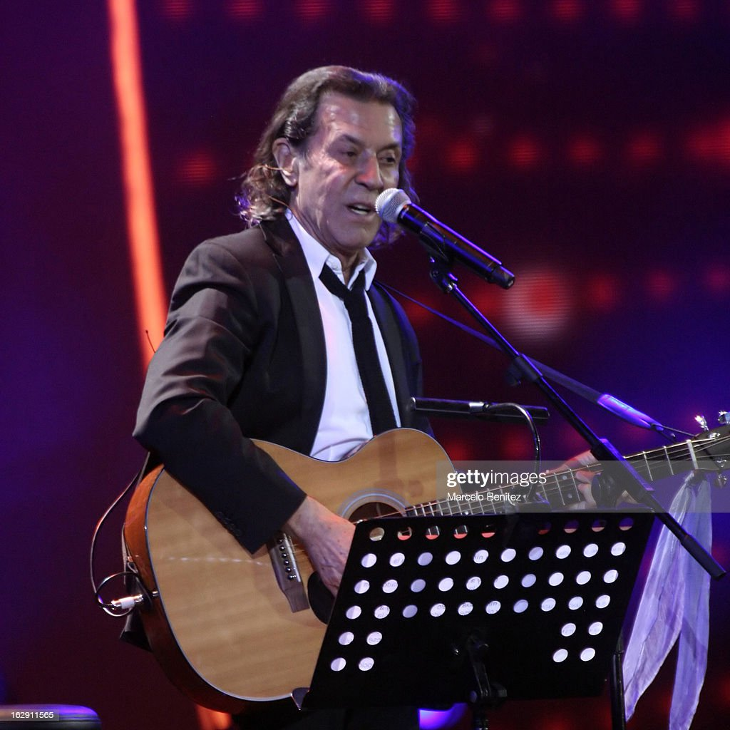 Albert Hammond during his presentation on stage at the 53rd Vina del Mar International Music Festival 2013 on February 28, 2013 in Viña del Mar, Chile.