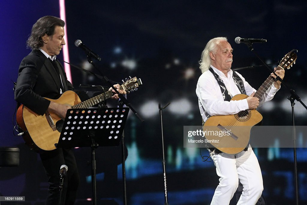 Albert Hammond next to Mario Mutis during his presentation on stage at the 53rd Vina del Mar International Music Festival 2013 on February 28, 2013 in Viña del Mar, Chile.