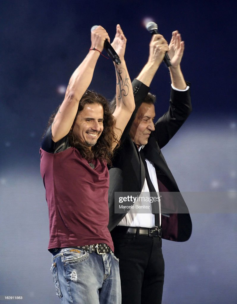Albert Hammond next to Pablo Herrera during his presentation on stage at the 53rd Vina del Mar International Music Festival 2013 on February 28, 2013 in Viña del Mar, Chile.