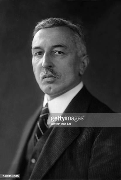 Albert Heinrich Friedrich *12021874Politiker Jurist DReichsminister 19221923Vorstandsvorsitzender der Norddeutschen Lloyd 193233Aufsichtsratsmitglied...