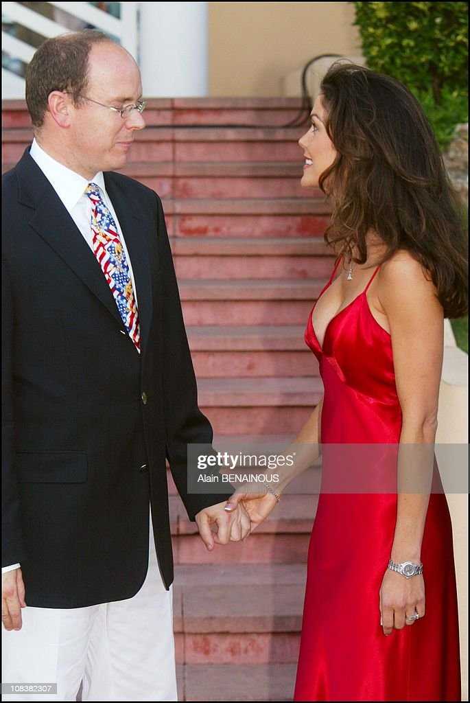 Albert of Monaco with Paula Trickey actress of 'Pacific blue' and 'Alerte a Malibu' in Monaco on July 04 2002
