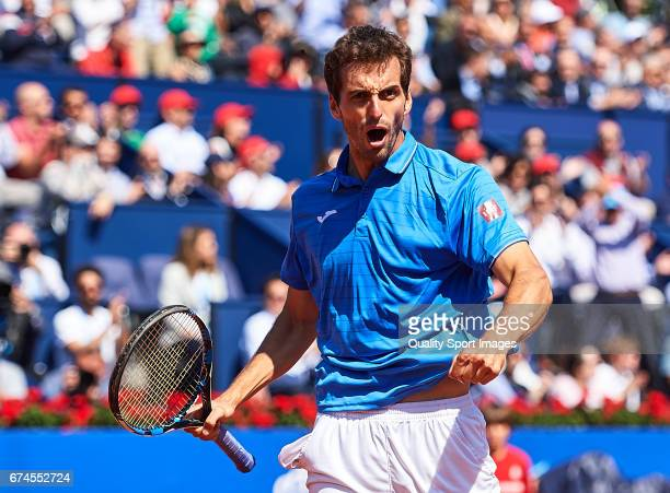 Albert Ramos Vinolas of Spain celebrates after scoring winning a point at his match against Andy Murray of Great Britain during the Day 5 of the...