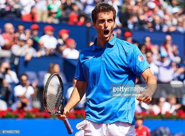 Albert Ramos Vinolas of Spain celebrates after winning a point at his match against Andy Murray of Great Britain during the Day 5 of the Barcelona...