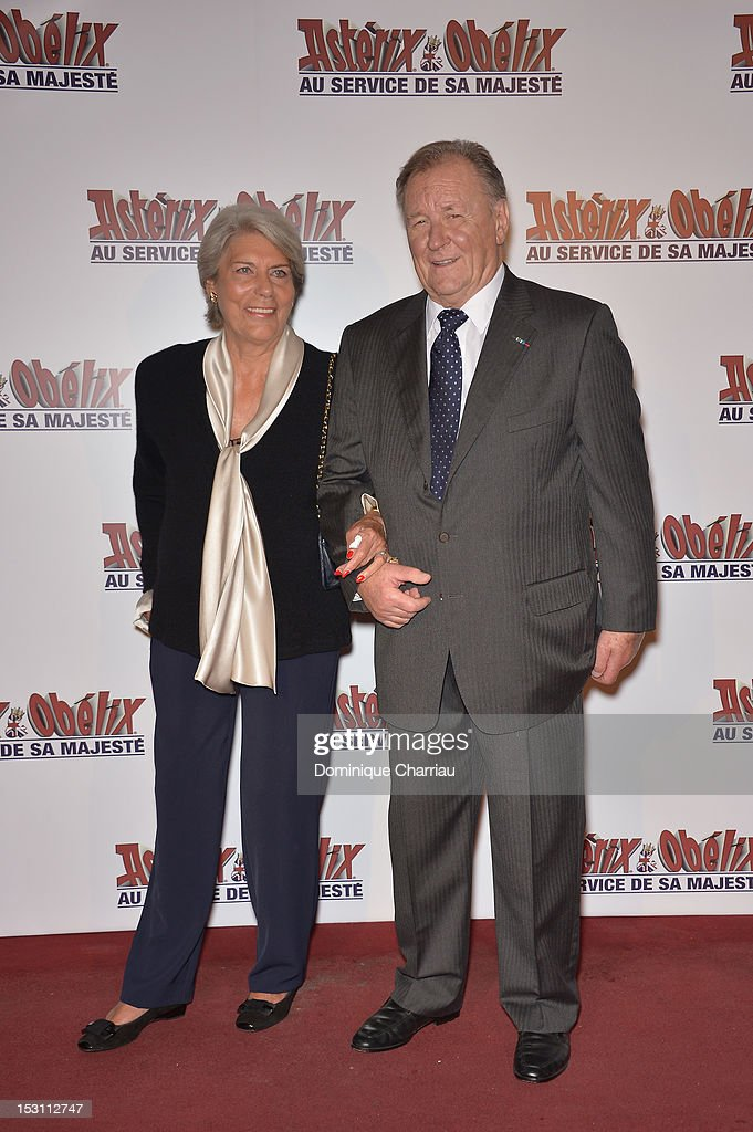 <a gi-track='captionPersonalityLinkClicked' href=/galleries/search?phrase=Albert+Uderzo&family=editorial&specificpeople=2121085 ng-click='$event.stopPropagation()'>Albert Uderzo</a> and his wife attend 'Asterix & Obelix: Au Service De Sa Majeste' at Le Grand Rex on September 30, 2012 in Paris, France.