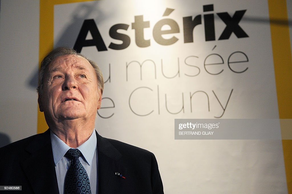 USE - Albert Uderzo, French author and illustrator who launched the Asterix comics strip character with author Rene Goscinny, poses on October 27, 2009, at the Cluny Museum in Paris. The exhibition, marking the 50th anniversary of the character's first appearance in 1959, will be held from October 28, 2009 until January 1, 2010.